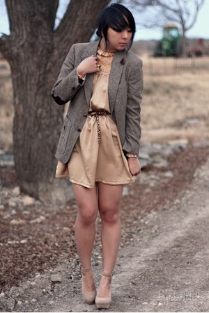 beige strappy Forever 21 heels - nude lace vintage dress