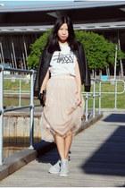 neutral Ezzentric Topz skirt - white Stussy t-shirt - heather gray nike sneakers