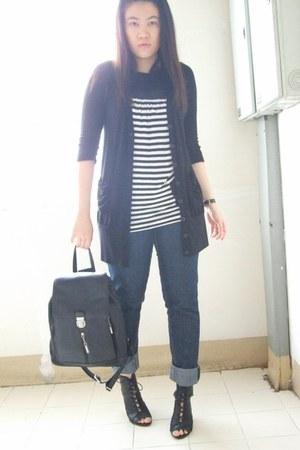 f21 jeans - f21 top - f21 vest - f21 t-shirt - f21 heels
