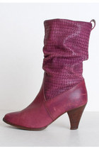 Purple-slouchy-leather-vintage-boots