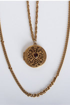 Gold-vintage-necklace