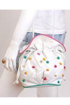 White-vintage-bag