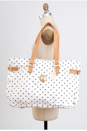 white vintage Capezio bag
