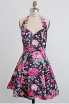 Hot-pink-vintage-rampage-dress
