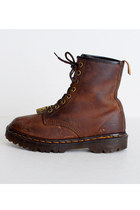 Brown-vintage-dr-martins-boots