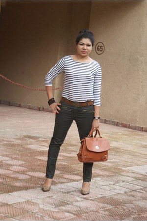 Zara top - Marie Claire shoes - Levis belt - Olive green Zara pants