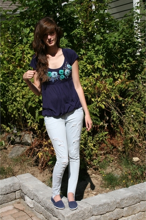Anthropologie shirt - Matix jeans - Just for Kicks shoes
