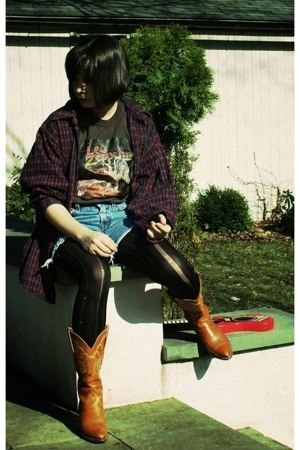 vintage t-shirt - Salvation Army shirt - Levis jeans - forever 21 tights - Frye