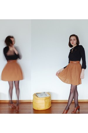 navy and yellow Zara dress - brown H&M heels