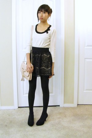 black tights tights - Aldo Accessories bag - Betsey Johnson earrings - stretchy