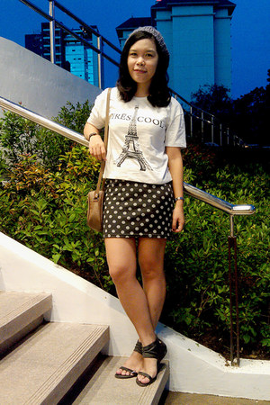 skirt - white t-shirt