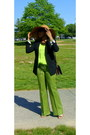 Burnt-orange-floppy-hat-jcrew-hat-black-black-wool-ann-taylor-blazer-dark-br