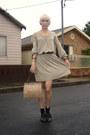 Navy-leather-court-vintage-shoes-dark-khaki-mesop-dress