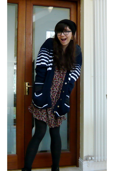 blue vintage sweater - red Topshop dress - black Primark tights - black American