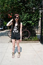 black high-waisted Topshop shorts - black cut-up no age vest