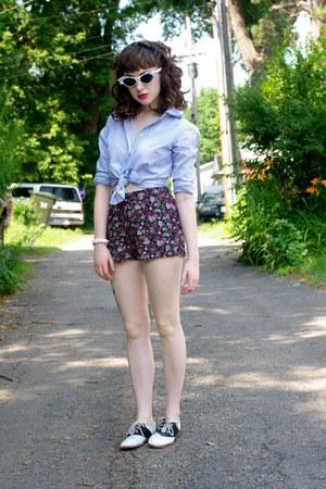 bubble gum floral xhiliration shorts - black saddle Payless shoes