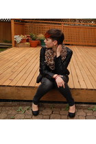 brown leopard print H&M scarf - black high heel pumps Forever 21 shoes
