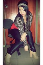black liquid YRYS leggings - leopard  print cardigan - tan Parisian heels