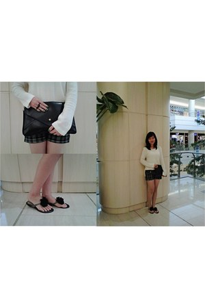 black leather La Dulce bag - white knitted montage sweater