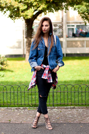 black v neck H&M t-shirt - Primark jeans - denim jacket vintage jacket