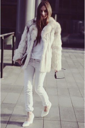 vintage coat - H&M shoes - Mango jeans - Topshop bag - Marks & Spencer t-shirt