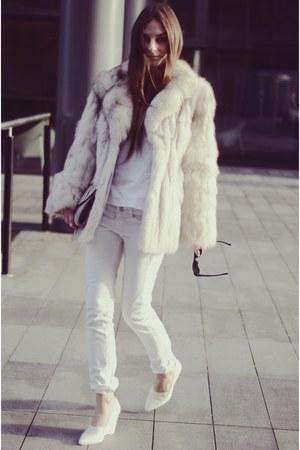 vintage coat - H&M shoes - Mango jeans - Topshop bag - Marks & Spencer t-shirt