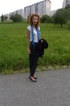 gray Gate pants - blue Bershka shoes - white H&M t-shirt - blue Bershka scarf