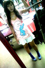 Pink-zara-t-shirt-white-skirt-blue-socks-blue-shoes