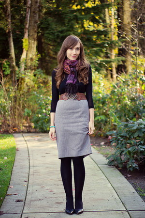 RW skirt - Club Monaco sweater - H&M scarf - Aldo pumps