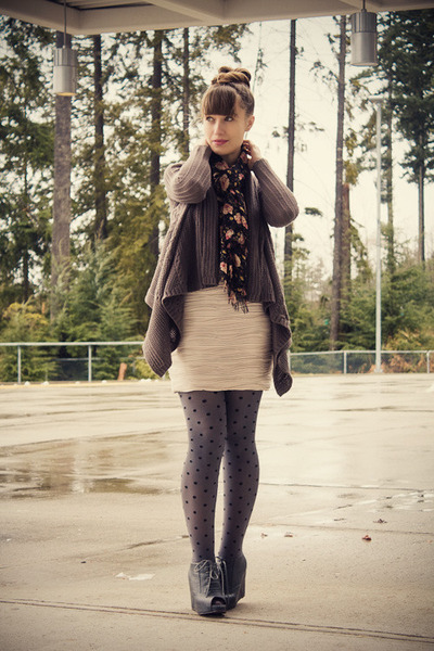 H&amp;M skirt - Jeffrey Campbell shoes - Forever 21 cardigan