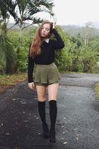 black Geneva sweater - olive green high waist Calico shorts