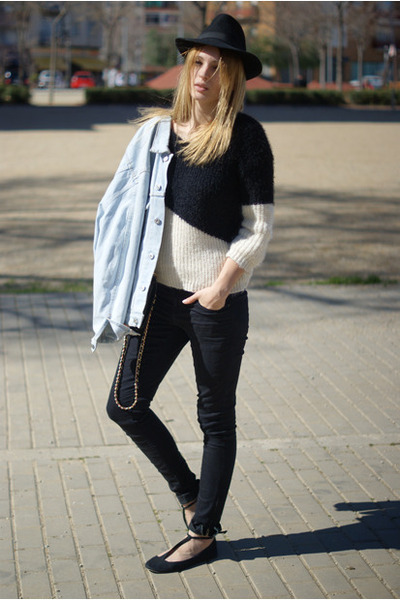She Inside jumper - Sfera jeans - Levis jacket