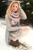 Forever 21 shoes - soft floral dress - ivory leggings - scarf - soft gray knit c