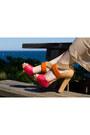 Eggshell-maxi-unknown-skirt-salmon-unknown-top-tan-nine-west-heels