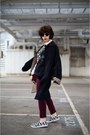 Black-trench-coat-daks-coat-brick-red-sophie-hulme-bag