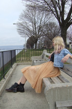 black vintage Laredo boots - light blue thrifted Gap jacket - peach vintage skir