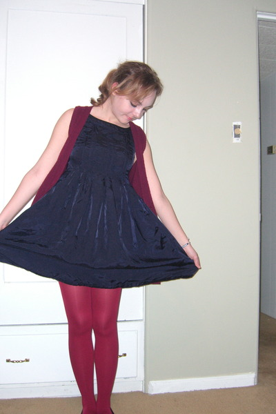 red random brand from Bloomingdales tights - blue H&amp;M dress - red Forever 21 car