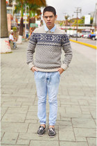 light blue denim Zara jeans - periwinkle Pull & Bear sweater