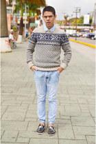 light blue denim Zara jeans - periwinkle Pull & Bear sweater