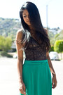 Pleated-slit-lush-skirt-laced-rvca-bodysuit