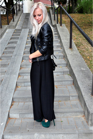 dark green heels - black dress - black jacket
