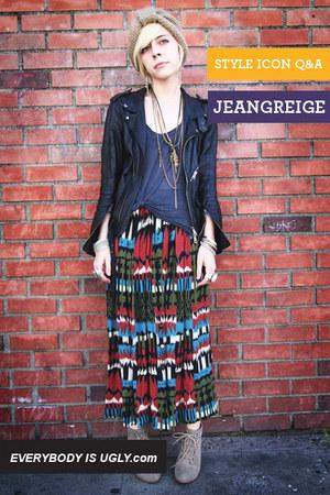 maroon printed vintage skirt