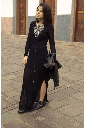Zara necklace - Oysho dress - Stradivarius bag