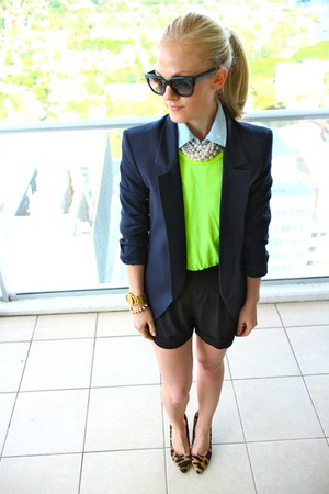 LnA t-shirt - Theyskens Theory blazer - ray-ban sunglasses