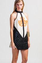 Cameo-dress