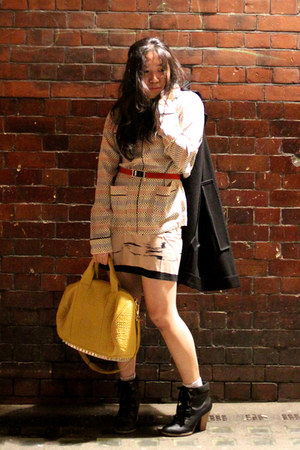 yellow rocco Alexander Wang bag - black lace-up Dorothy Perkins boots