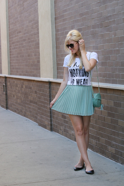 aquamarine pleated skirt DeeLux skirt - aquamarine quilted WearInLA bag