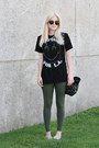 Olive-green-matty-m-leggings-black-graphic-tee-too-ugly-for-la-shirt