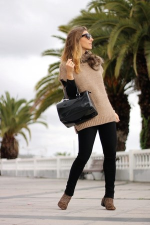 citizens of humanity jeans - Carolina Herrera sweater - Furla bag