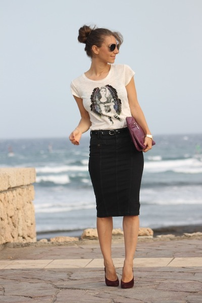 Pencil skirt with t shirt – Modern skirts blog for you